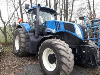 Landbouw tractor New Holland TRAKTOR T8.390